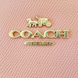 BONUS BUY Coach Pink Tote + Free Earrings 🌺